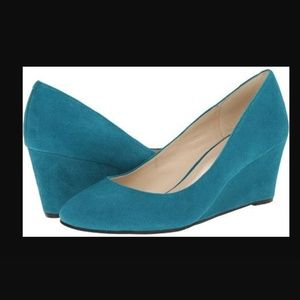 Nine West suede wedges size 7.5 teal